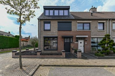 Wethouder Driessenstraat 8, Venlo