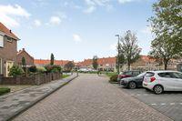 Volgervennenplein 6, Volendam