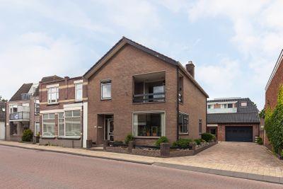 Dorpsstraat 83, Hazerswoude-dorp