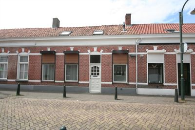 Kromme Elleboog 13, Steenbergen