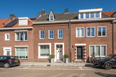 Burgemeester Bloemartsstraat 16, Venlo