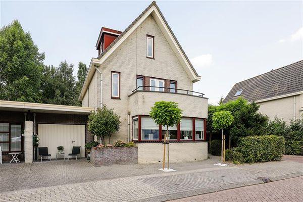 Magneetveld 12, Almere