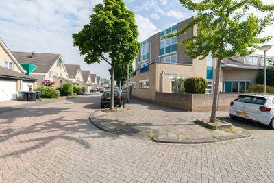 Josephine Van Gasterenstraat 1, Spijkenisse