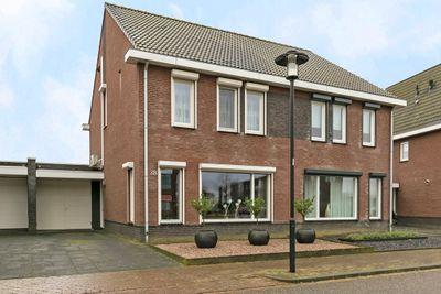 Thaalweg Oost 38, Echt