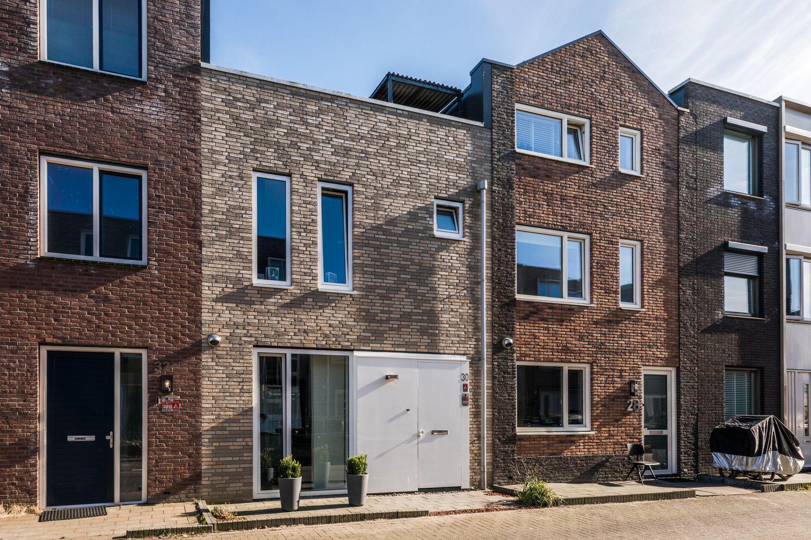Mazustraat 30, Almere