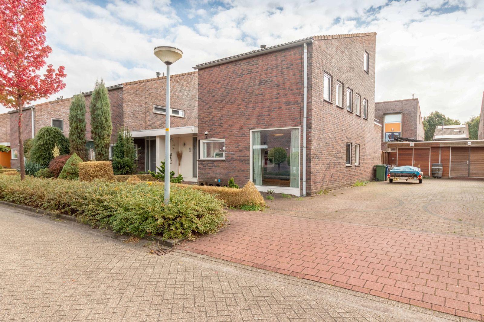 Zondaghof 21, Almere