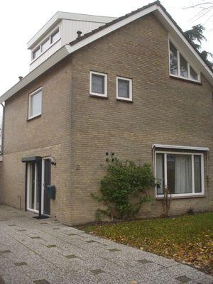 Burgemeester van Lyndenpark 0ong, Valburg