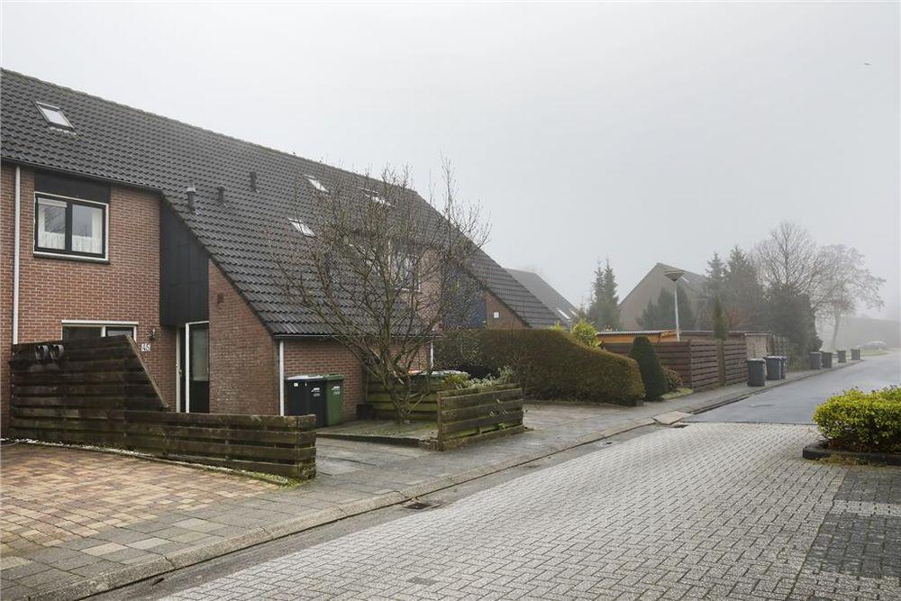 Vinkenveld 45, Emmen