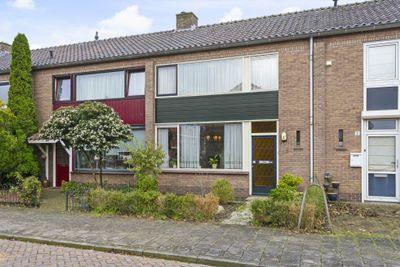 Mgr. Schaepmanstraat 4, Zutphen