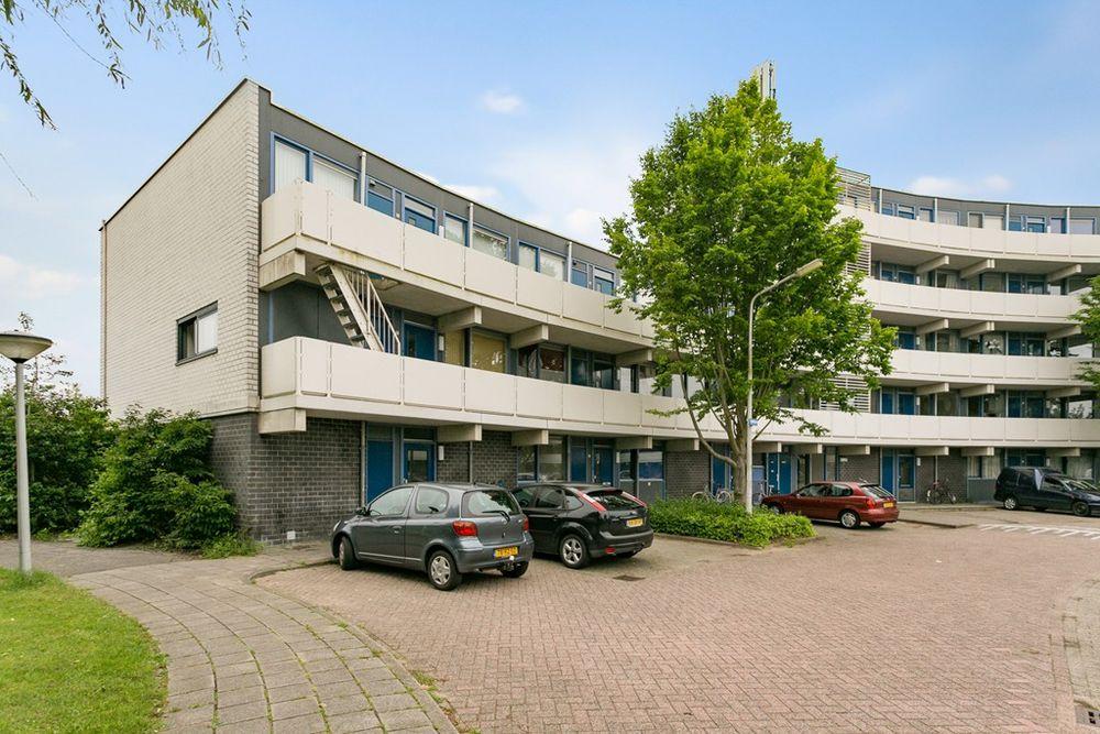 Veenbes 69, Leiden