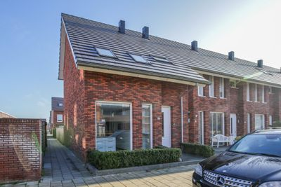 Zuiderzeestraat 18, Kampen