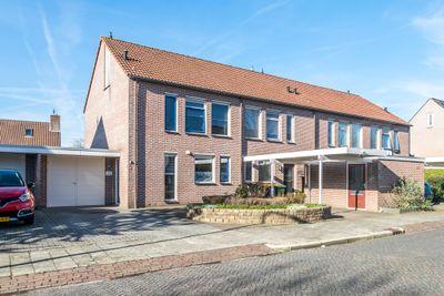 Klaverkamp 42, Hoogeveen