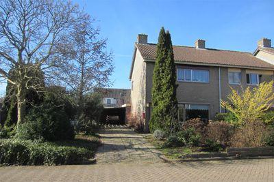 Veerhuisweg 21, Donkerbroek