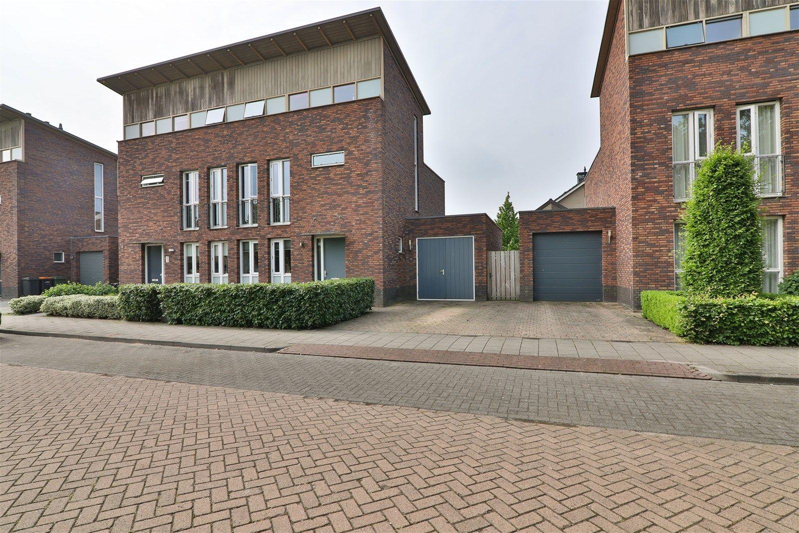 Brasem 29, Hoogeveen
