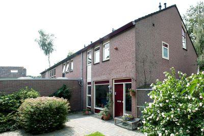 Het Schar 104, Steenwijk