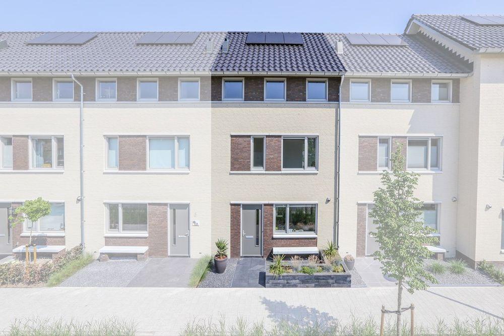 Slaapkamer Meubels Waalwijk : Gerben de vriesstraat 17 koopwoning in waalwijk noord brabant