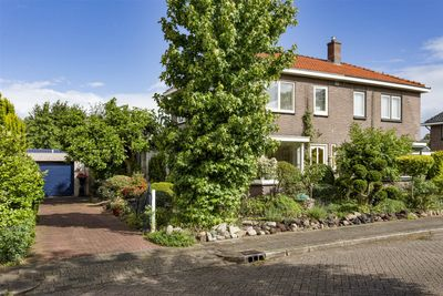 Kruisdwarsweg 32, Twello