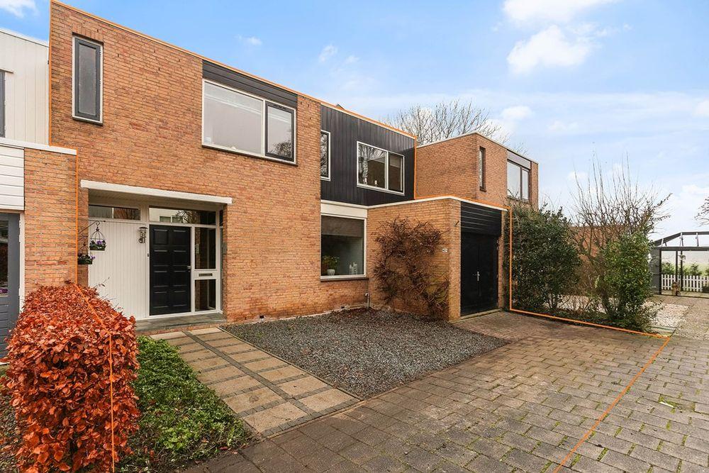 A.G.M. van der Hoevenstraat 67, Ter Aar