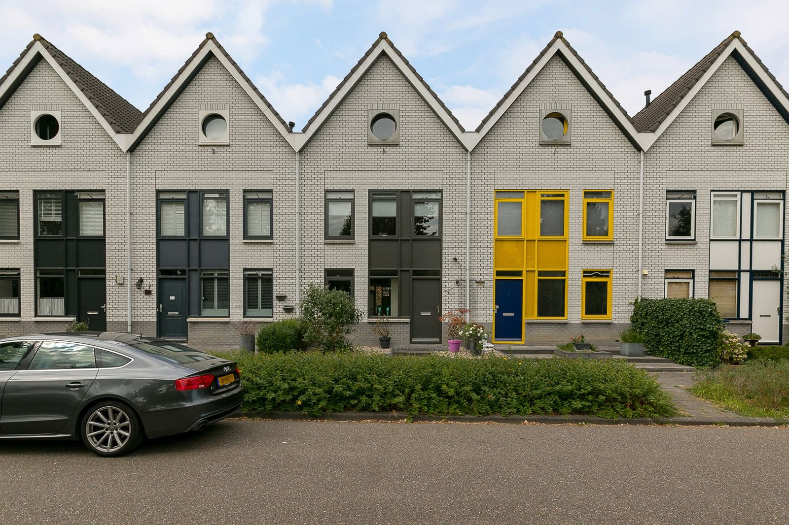 George Formbystraat 9, Almere