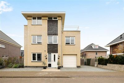 Fortunastraat 4, Almere