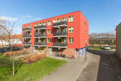 Cinnaberstraat 2, Almere