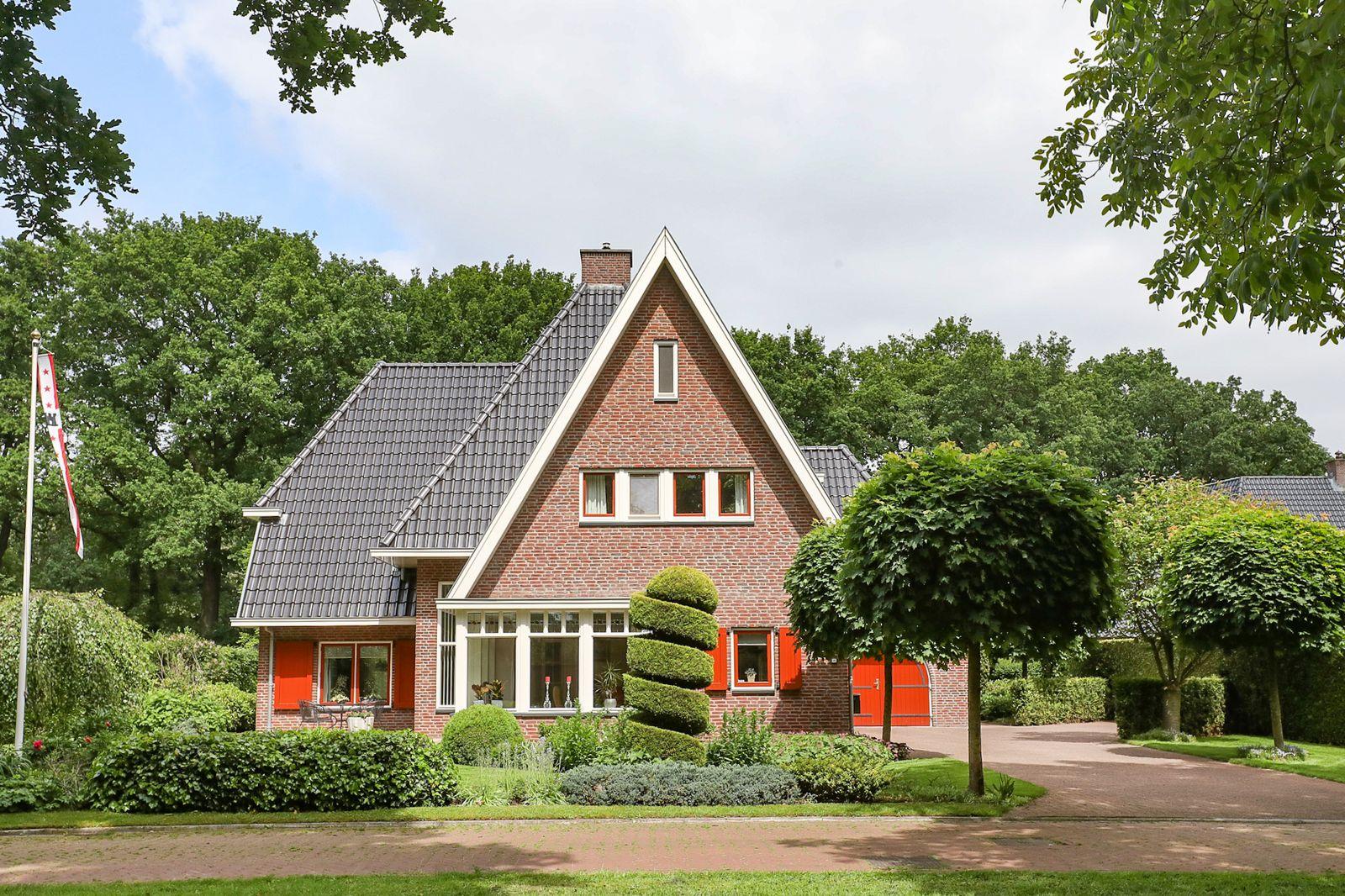 Leiendijk 6, Hoogeveen