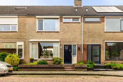 Oudlandsestraat 67, Steenbergen NB