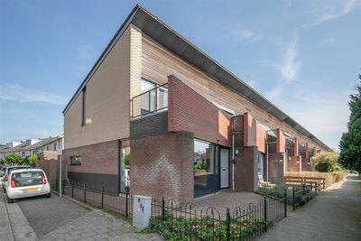 Han Hoekstrahof 123, Hoorn