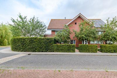 Pauwenburg 1, Lelystad