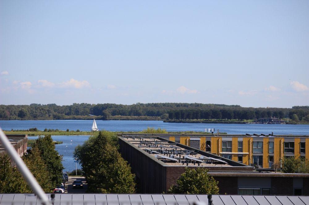 Grootzeil, Almere