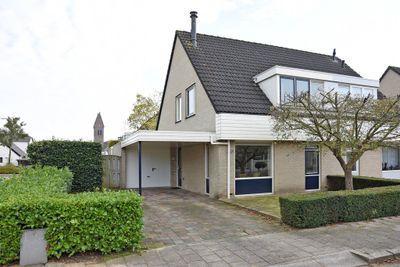 De Breeacker 1, Oosterhout