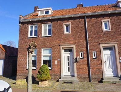 Raadhuisstraat 36, Maasbracht
