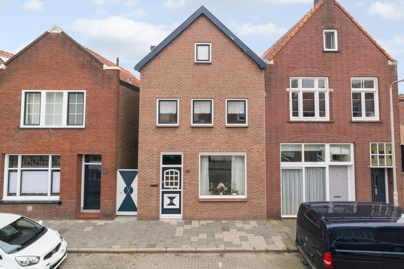 Maxburgh 12, Roosendaal