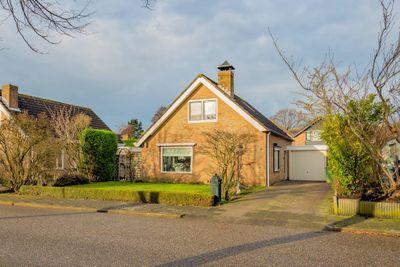 Willem Alexanderstraat 6, Burgh-haamstede