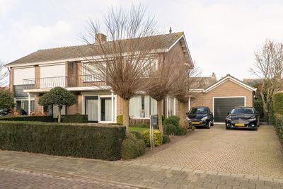 Van Middelhovenstraat 31, Axel