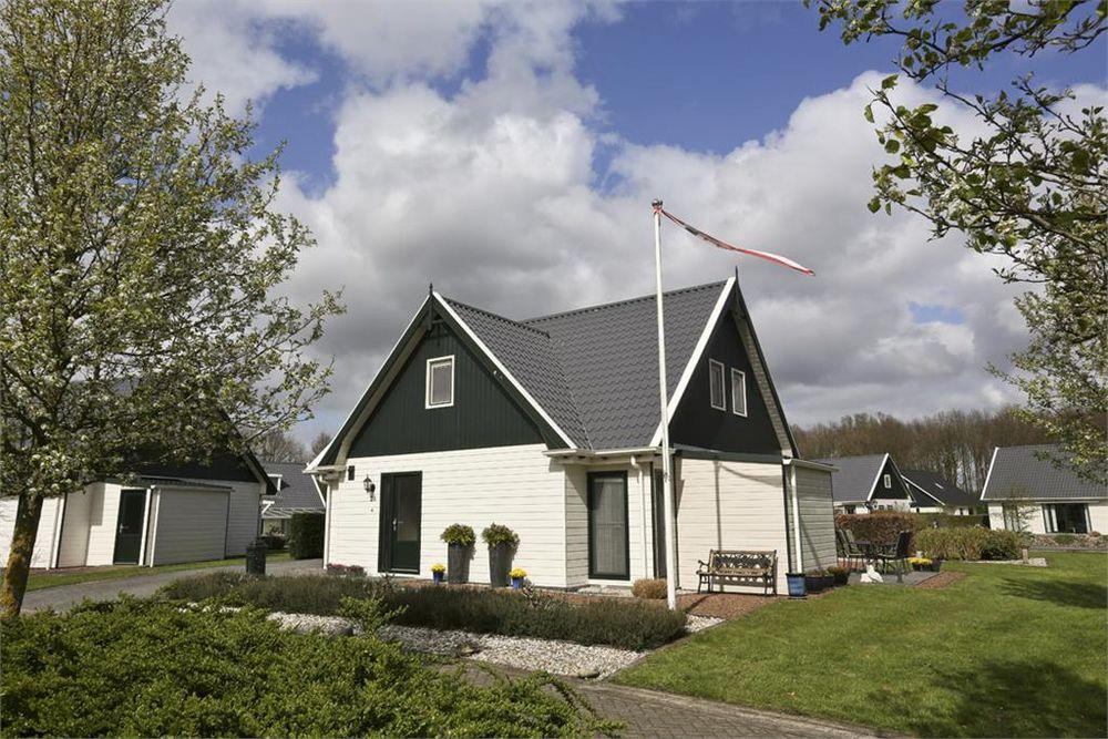 Zuiderdwarsdijk 28, Gasselternijveen