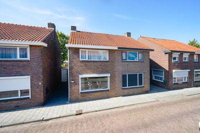 Van Tienhovenstraat 18, Yerseke