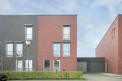Burgemeester Van Prooijenstraat 9, Waalwijk
