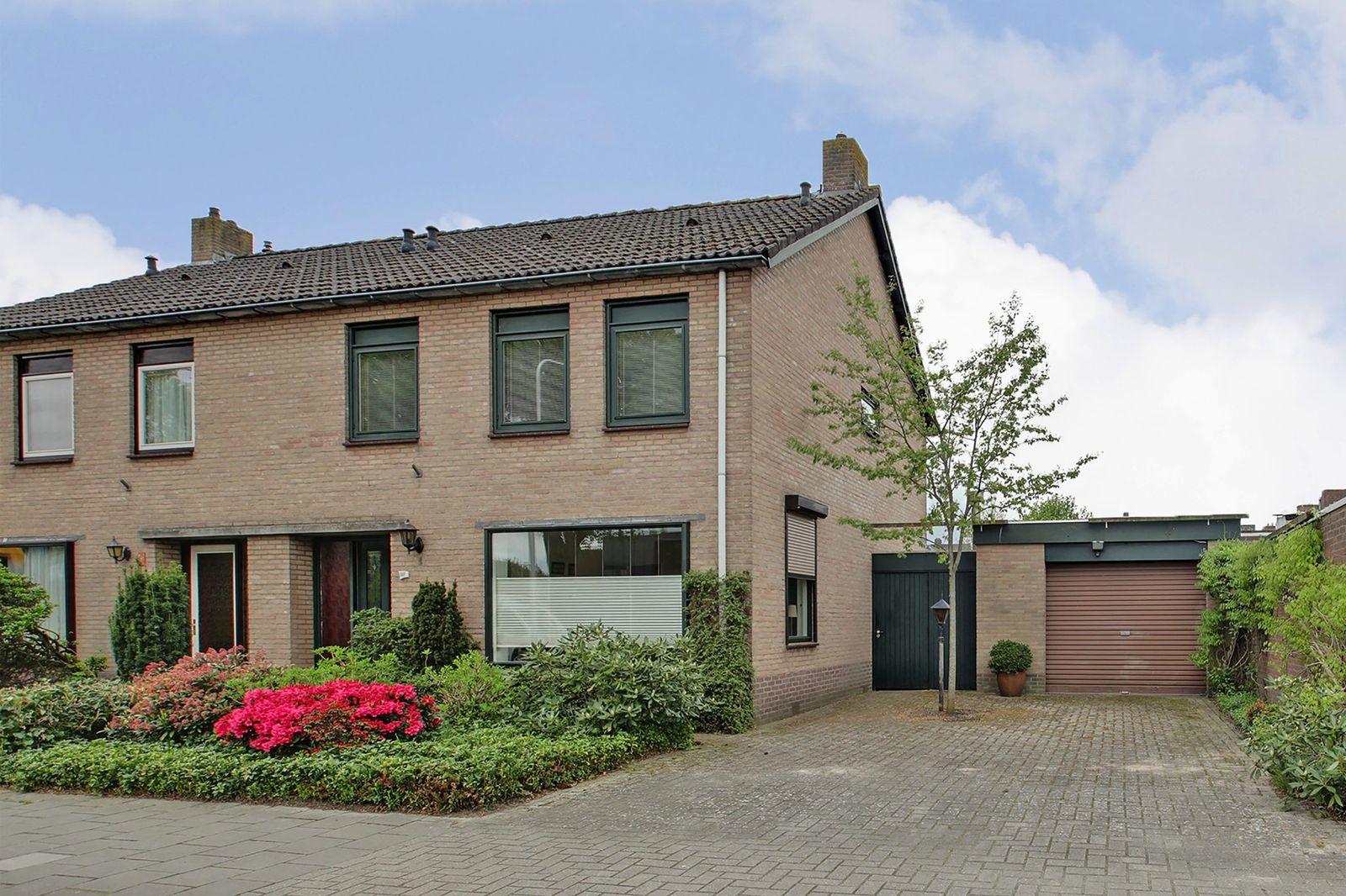 Voltastraat 23, Hoogeveen