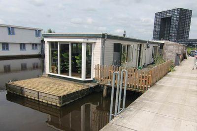 Woonschepenhaven 57, Groningen