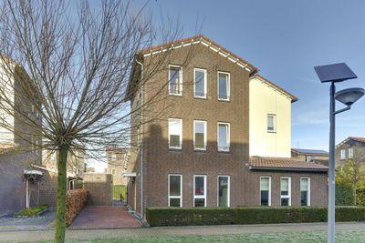 Poelruitstraat 10, Rosmalen