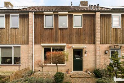 Wilhelminastraat 6, Sint-maartensdijk