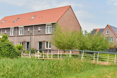 Burgemeester Van Boeijenstraat 24, Tholen