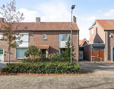 Rozenstraat 28, Rosmalen