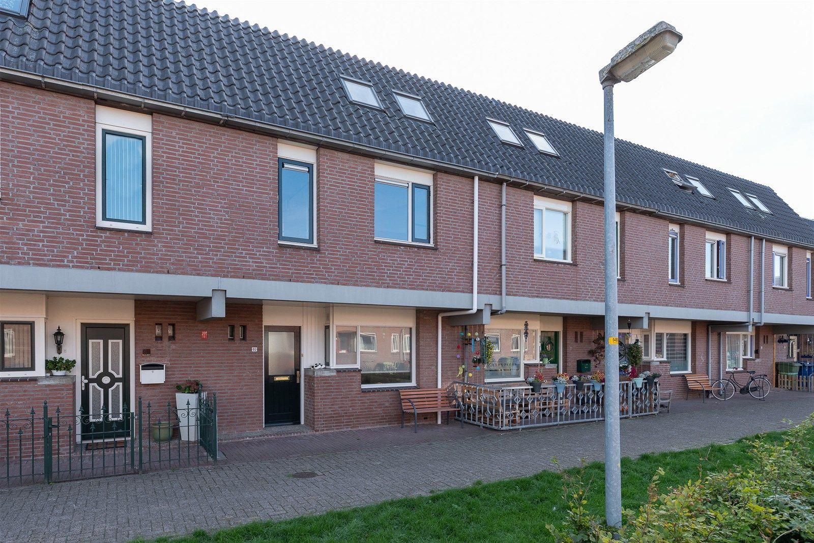 Middenhof 92, Almere
