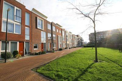 Schullenhofstraat 82, Tiel