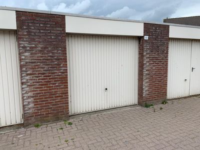 Darink 2-G 0-ong, Steenbergen