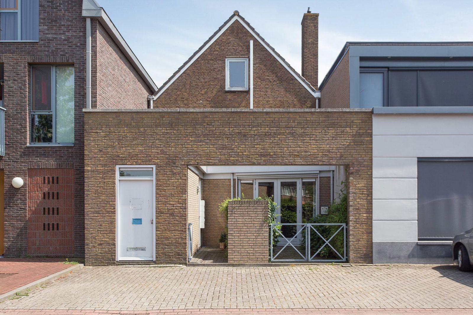 Bernhardstraat 7, Zegveld