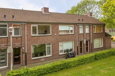 Dillenburglaan 48, Tilburg