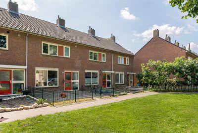 Jaap Edenlaan 18, Oudenbosch